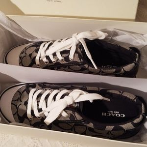 New Coach Barrett sneakers  size 8